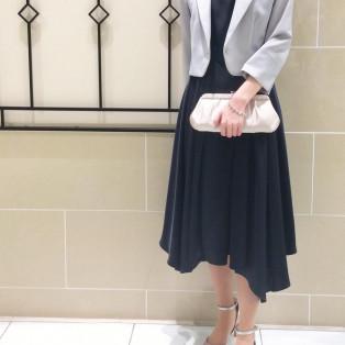 ネイビーのドレスで、「ジャケット」・「ボレロ」 の着こなし