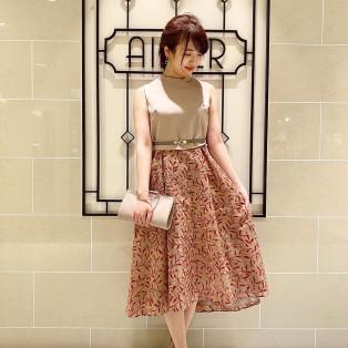 【新作ドレス入荷!】柄がオシャレな上品めドレス