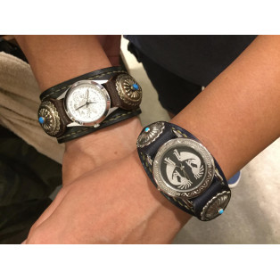 手縫いのペア時計