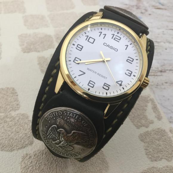 腕時計のベルトも作成しています