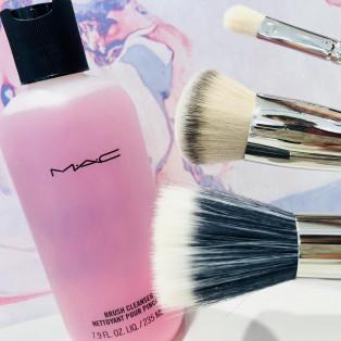 【MAC】ブラシを清潔に(๑˃̵ᴗ˂̵)