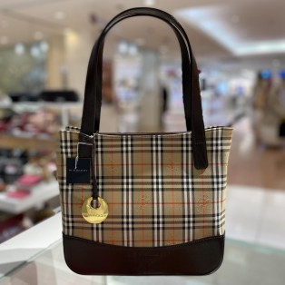 【BURBERRY】〜ノバチェックトートバッグ〜