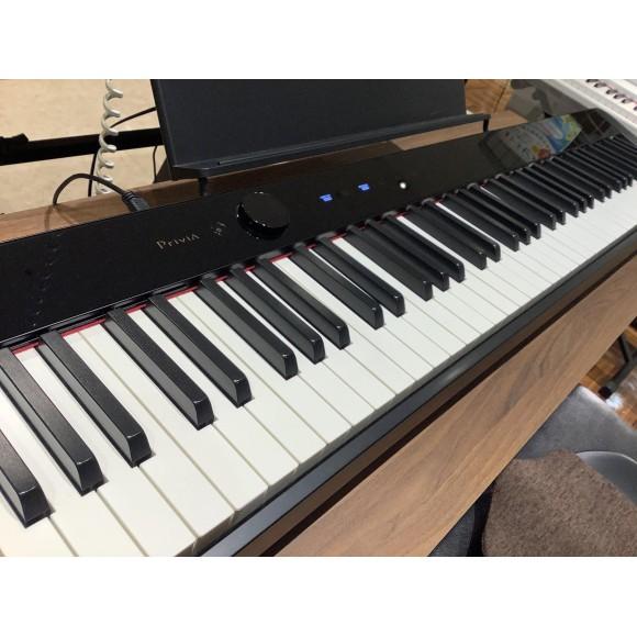 持ち運びに便利なピアノ PX-S1100♬