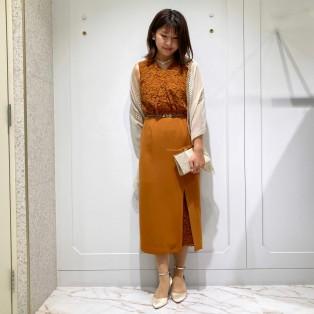 新作 レースタイトドレス