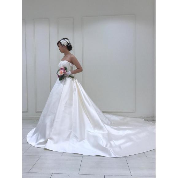 ウェディングドレス♡展示会のご案内