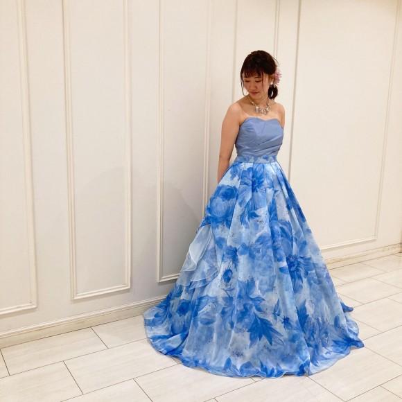オーバースカート付きドレス