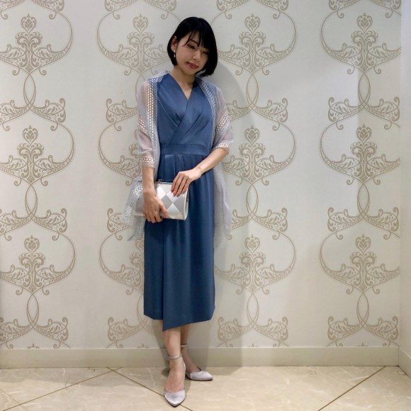 クラシカルなセミタイトドレス♡
