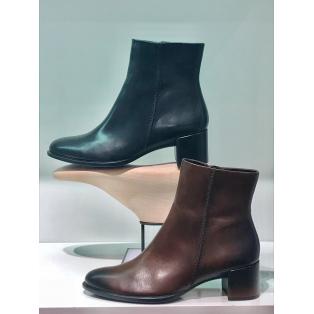 秋の新作ブーツをご紹介します☆