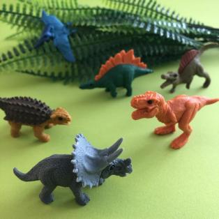精巧な恐竜たち
